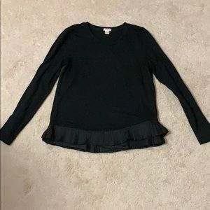 Work shirt with ruffle hem
